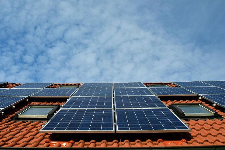 投資用アパート・マンションに太陽光発電を設置するメリット・デメリット